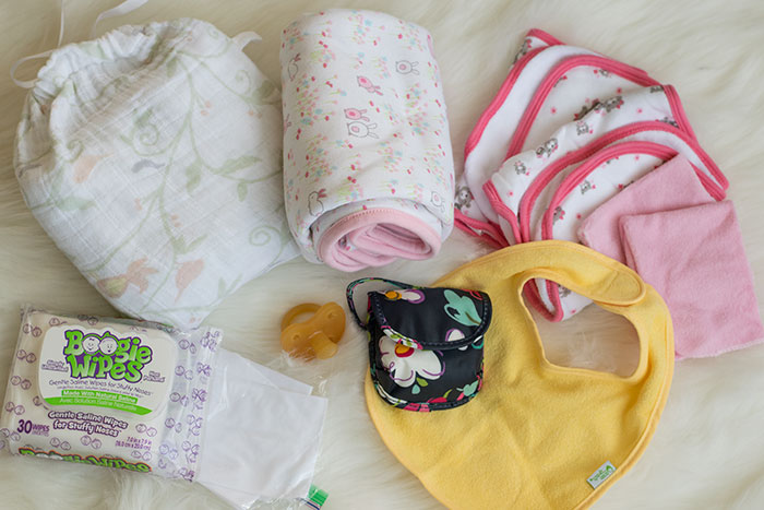 diaper bag contents clean ups and blankets 2016