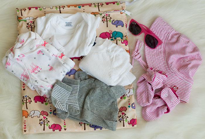 diaper bag contents clothes 2016